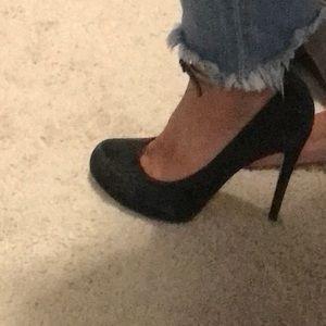 Round toe heels